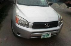 Super Clean Toyota RAV4 2007 Silver for sale