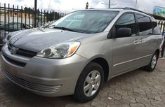 Toks Toyota Sienna LE 2005 Model (8 Seater)
