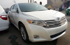 Clean Tokunbo Toyota Venza 2010 White for sale