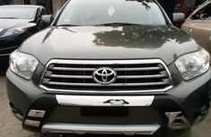 Toyota Highlander 2010 Grey for sale