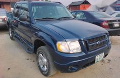 A Ford Exploer 2005 Blue for sale