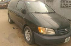 Toyota Sienna 2001 Green for sale