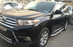 Clean Toyota Highlander 2011 Black for sale
