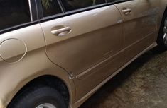 Mercedes Benz R350 2006 Gold for sale