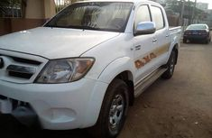 Toyota Hilux 2009 White for sale