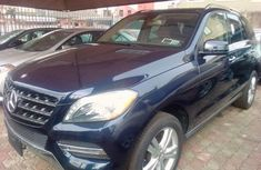 Mercedes-Benz ML350 2014 Blue Automatic Petrol ₦15,000,000 for sale