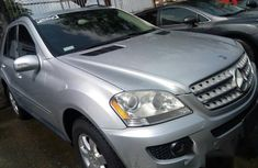 Clean Tokunbo Mercedes-benz Ml350 2004 Silver