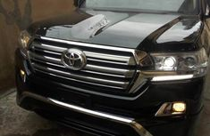 Clean Toyota Land Cruiser 2018 Black for sale
