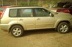 Clean Nissan Xtrail 2005 Gold for sale
