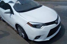 Clean Toyota Corolla 2015 White for sale