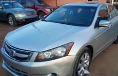 Neat Honda Accord 2009 Silver for sale