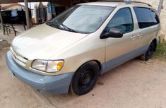 Toyota Sienna 1999 Gold for sale