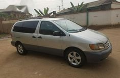 Neatly Toyota Sienna 2002 Silver for sale