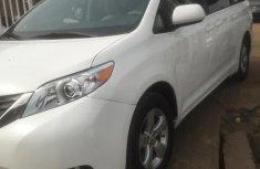 Toyota Sienna 2012 White for sale