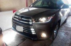 Toyota Highlander 2017 Gray for sale