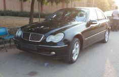 Tokunbo Mercedes-Benz C200 2002 Black for sale