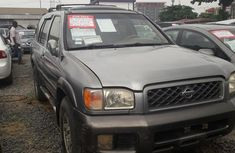 Nissan Pathfinder 2000 Gray for sale