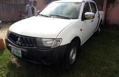 Mitsubishi L200 2008 White For Sale