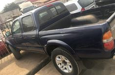 Very Clean Toyota Tacoma 2004 Blue for sale
