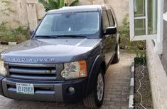 Own a 3-Row Luxury SUV 2005 for sale