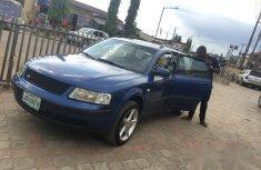 Volkswagen Passat 2000 Blue for sale