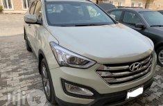 Neatly Used Hyundai Santa Fe 2013 White for sale
