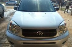2004 Tokunbo Toyota rav4 for sale in Ibadan