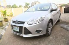 A clean Ford Focus 2012 Silver with low mileage