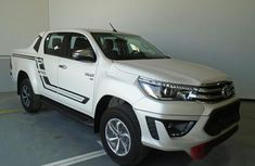 Toyota Hilux 2019 Whitefor sale