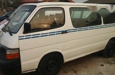 Toyota Hiace 2002 White for sale