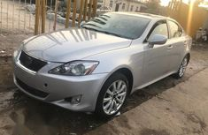 angular-front-of-a-Lexus-IS-250-2007