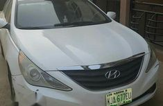 Neatly Used Hyundai Sonata 2013 White for sale