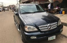 Well-maintained Mercedes Benz ML 500 2005 Black for sale