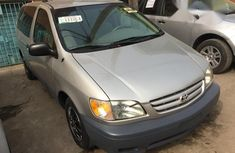 Toyota Sienna 2000 Silver for sale