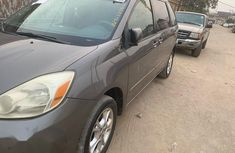 Toyota Sienna LE 2004 Brown for sale
