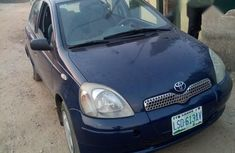 Clean Toyota Yaris 1.0 2000 Blue for sale