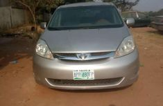 Toyota sienna 2006 model for sale​​​​​​​