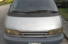 Toyota Previa 2000 Gray for sale