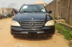 Tokunbo Mercedes-benz ML320 2001 Black for sale