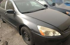 Tokunbo Honda Accord 2005 Gray for sale