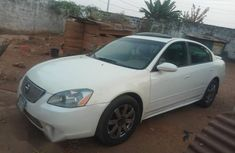 Nissan Altima 2005 White for sale