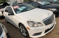 Angular-front-of-a-Mercedes-Benz-E350-2011-for-sale