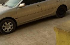 Tokunbo Toyota Camry 2004 Gold for sale