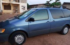 Toyota Sienna 2002 Blue for sale 1m
