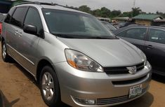 Neat used 2006 Toyota Sienna Silver for sale