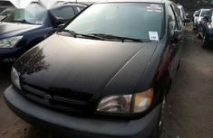 Toyota Sienna 2000 Black for sale