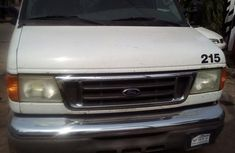 Ford E-250 2004 White for sale