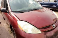 Toyota Sienna 2005 Red for sale