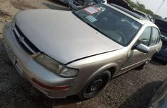 Nissan Maxima 2000 model for sale