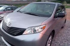 Sharp clean Toyota Sienna 2012 for sale